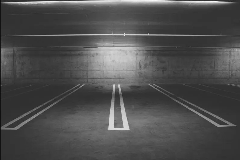 ¿Puedo tapiar mi plaza de garaje para hacerme un trastero?